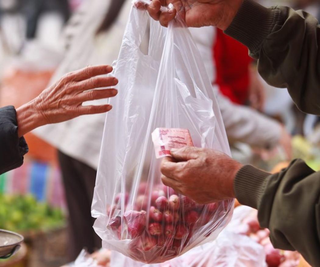 Otros usos de la bolsa de plástico transparente