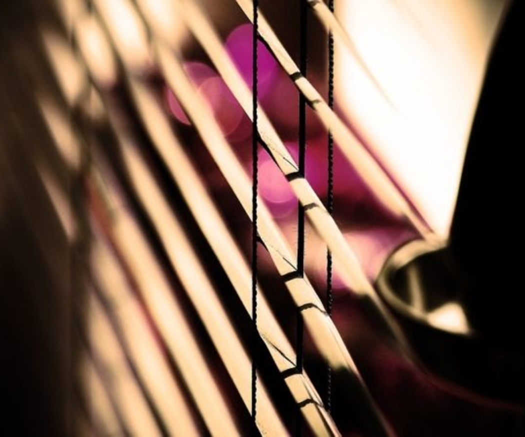 Cómo limpiar las persianas sin poner tu vida en juego