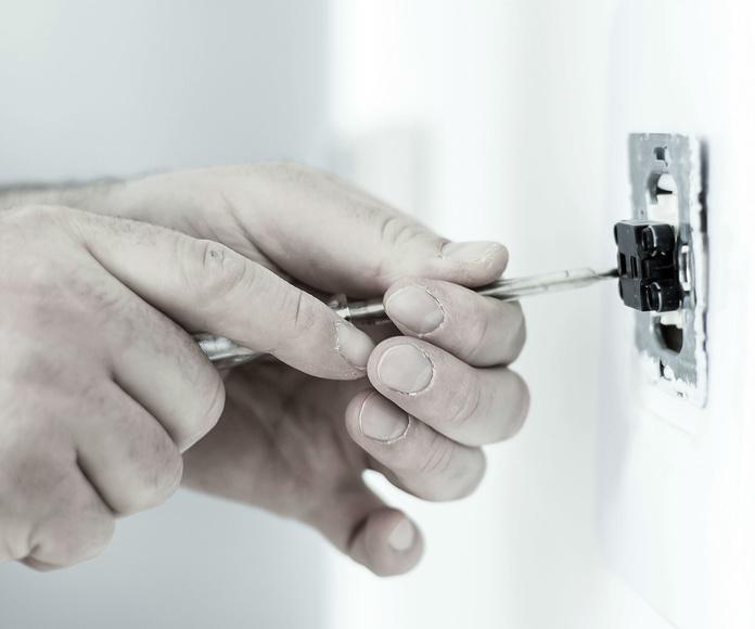 Electricidad: Servicios de reformas de Reformas Urgull