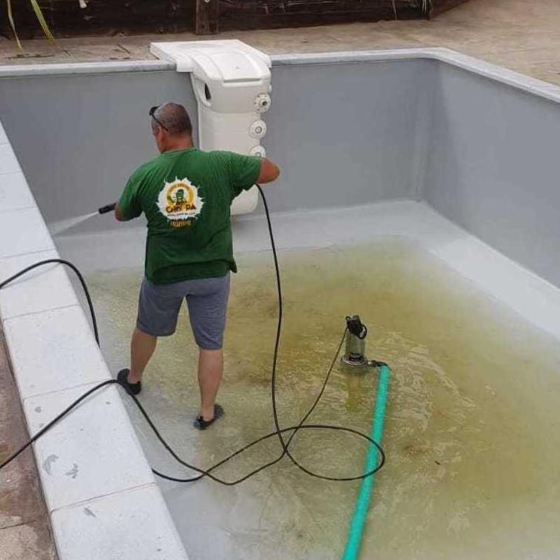 Limpieza y mantenimiento de piscinas Valencia