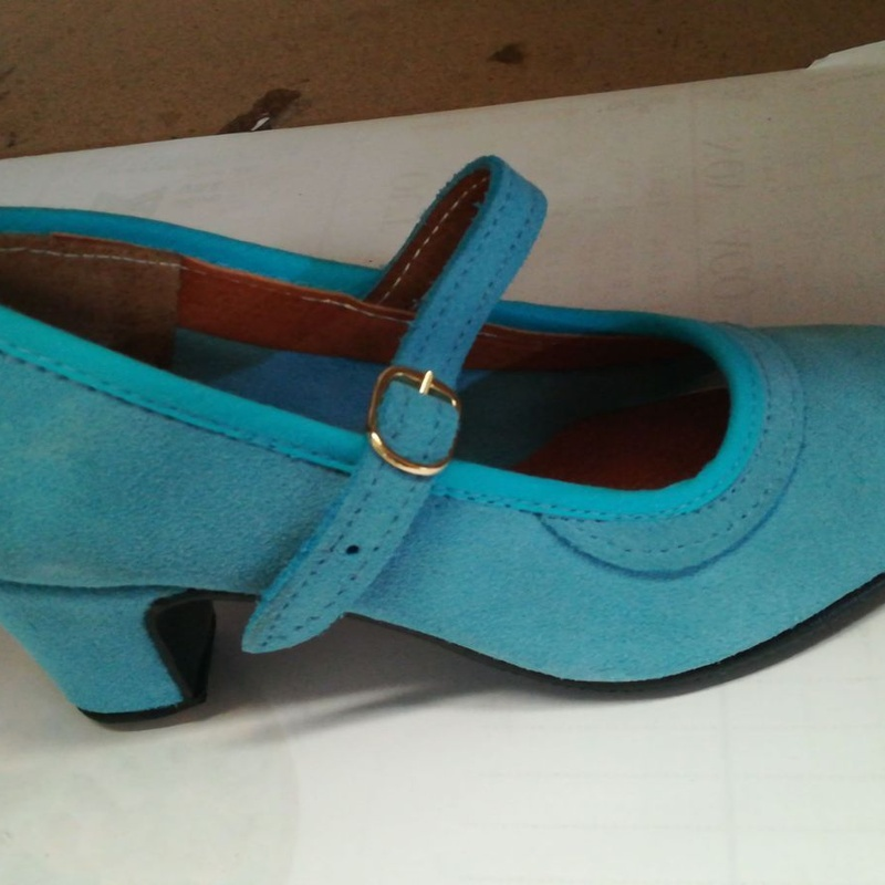 Zapato en piel turquesa Modelo 75: Productos de Calzados Malaca
