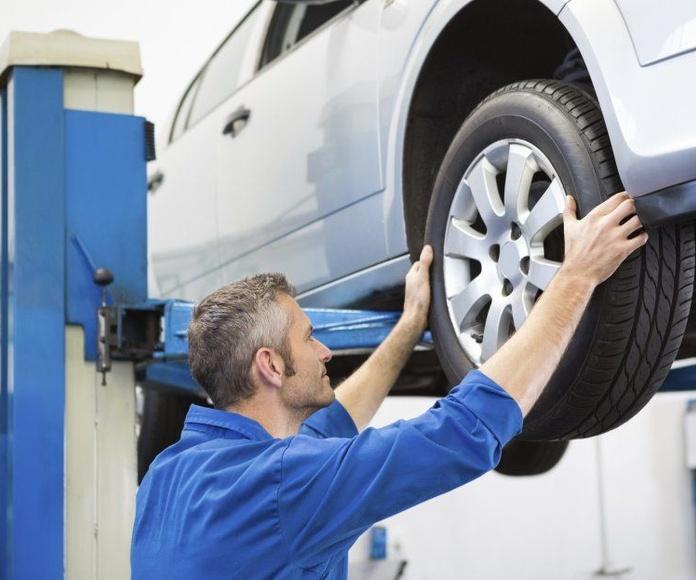 Neumáticos: Taller de Talleres M.C. Montcada, S.L.