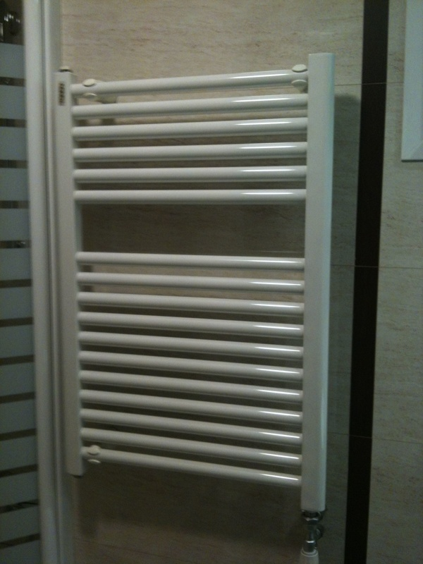 Instalación radiadores calefacción baño