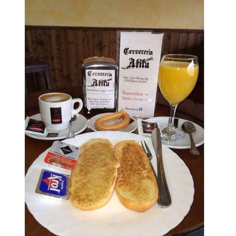 Desayunos: Servicios de Cervecería Atila