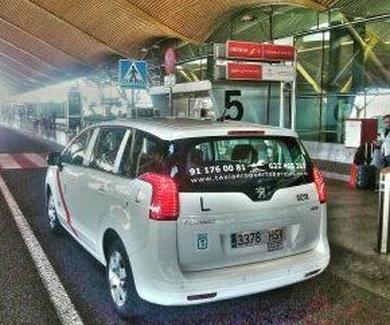 Radio Taxi Moncloa Aeropuerto.