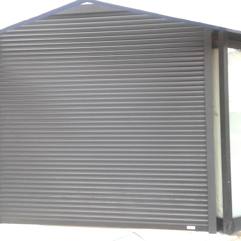 puerta enrollable autoblocante ( antirrobo)