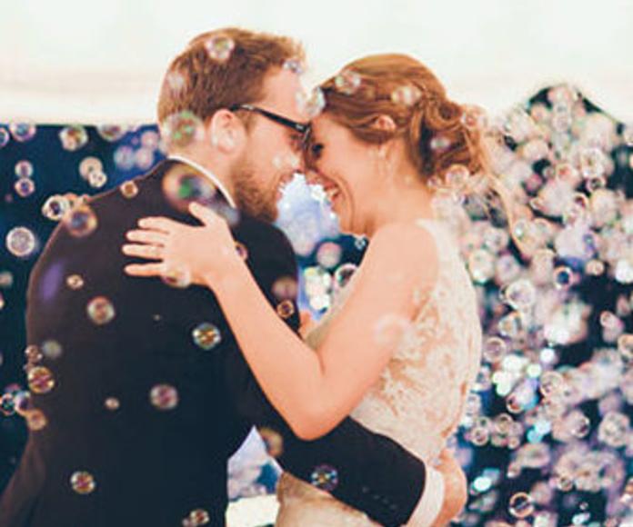 Alquiler de maquina de pompas para bodas