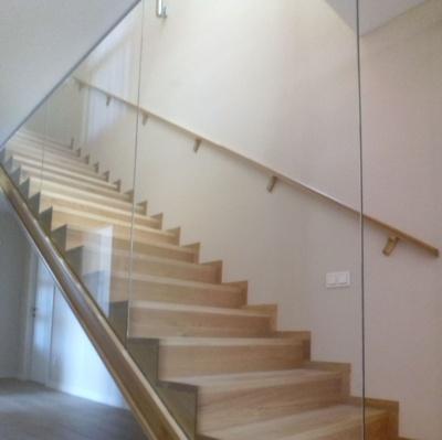 Escaleras y balaustres de madera: Ebanistería y Carpintería Martín
