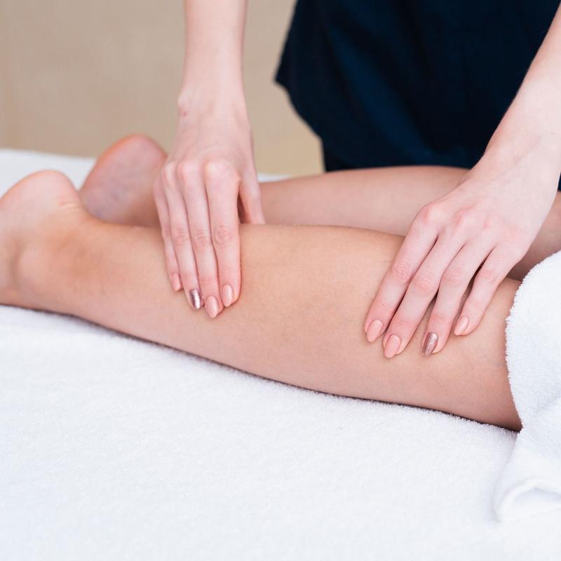 Masajes terapéuticos: Clases y Terapias de Ama Centro de Yoga Tenerife