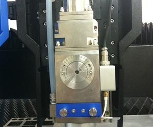Ventajas del láser de fibra respecto otros para el corte de metales