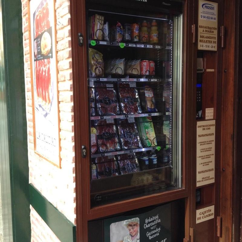 Máquina de vending con servicio 24 horas: Servicios de Roquechar