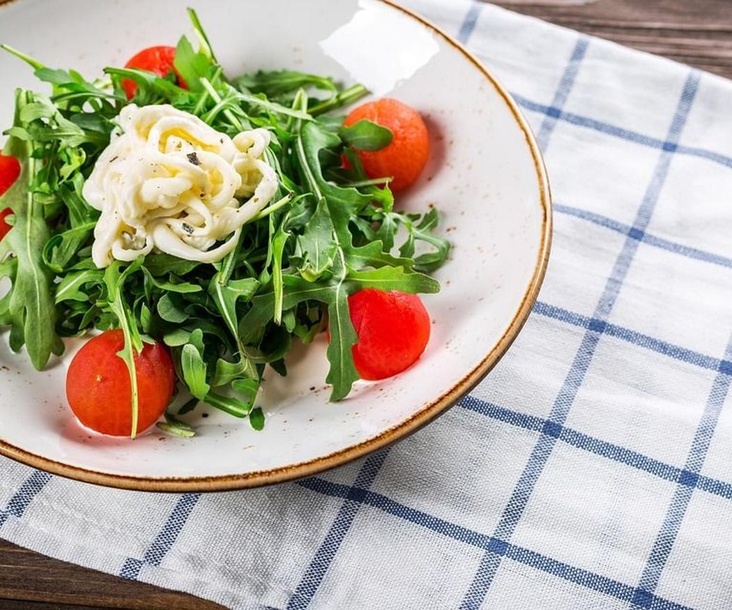 Cinco beneficios emocionales de comer en un restaurante