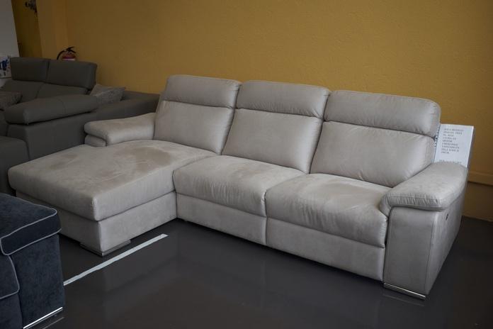 Sofá 3 plazas con chaise long