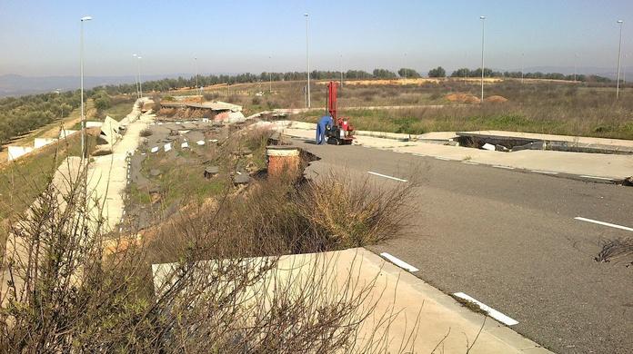 Deformaciones producidas en el Polígono Industrial El Olmo de Montoro (Córdoba)