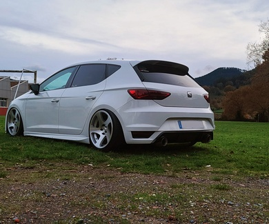 Seat Leon 5F - Airlift Performance, Fox Exhaust Strongflex & GTI Brakes