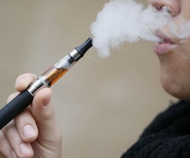 Médicos de familia proponen hacer un seguimiento del consumo del cigarrillo electrónico