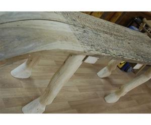 Mesa original de madera con forma de caballo