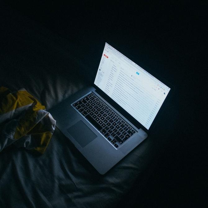 Insomnio tecnológico y cómo evitarlo
