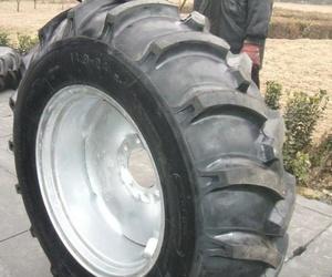 Especialistas en neumáticos de tractores