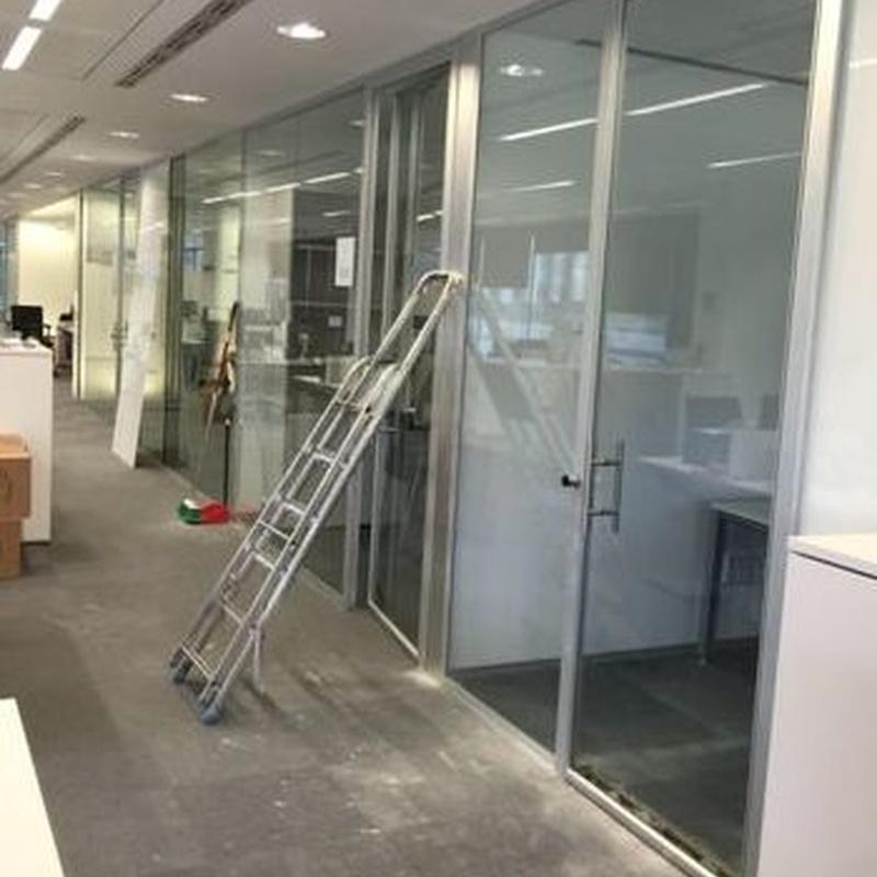División de oficinas: Carpintería de aluminio de Carpintería de Aluminio Alberto Mellado