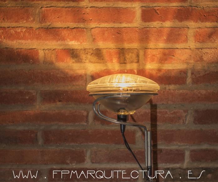 Luminarias y Mobiliario   www.architectsitges.com: Proyectos  architectsitges.com de FPM Arquitectura