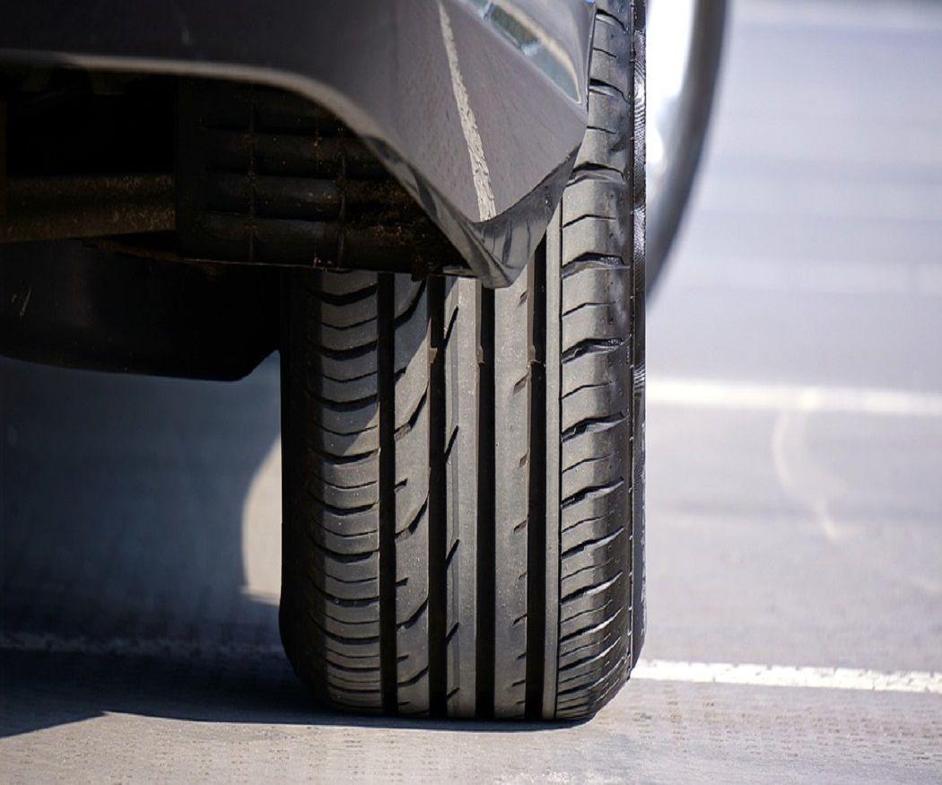 Cómo afecta el calor a los neumáticos de tu vehículo