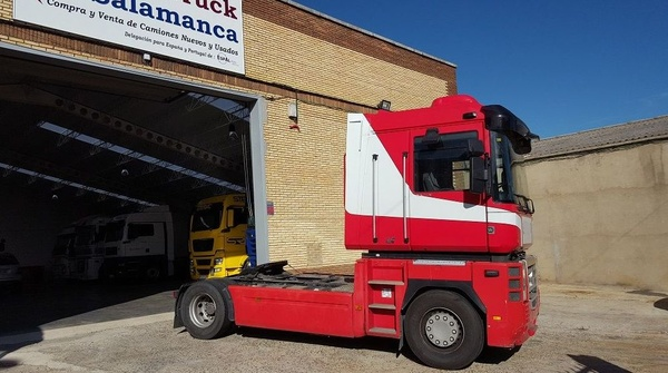 RENAULT MAGNUM 460 dxi 2010 EURO5: Camiones de Autotruck Salamanca
