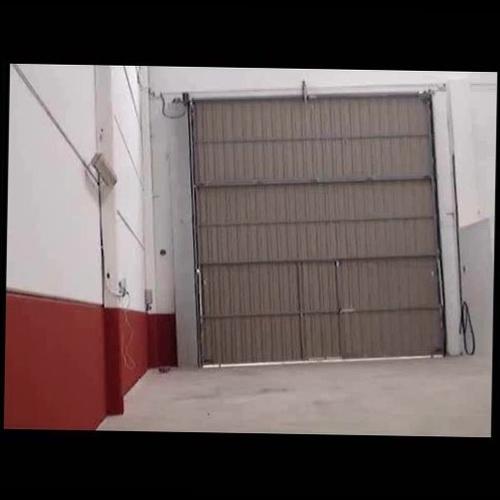 Motorización puerta basculante industrial navarra