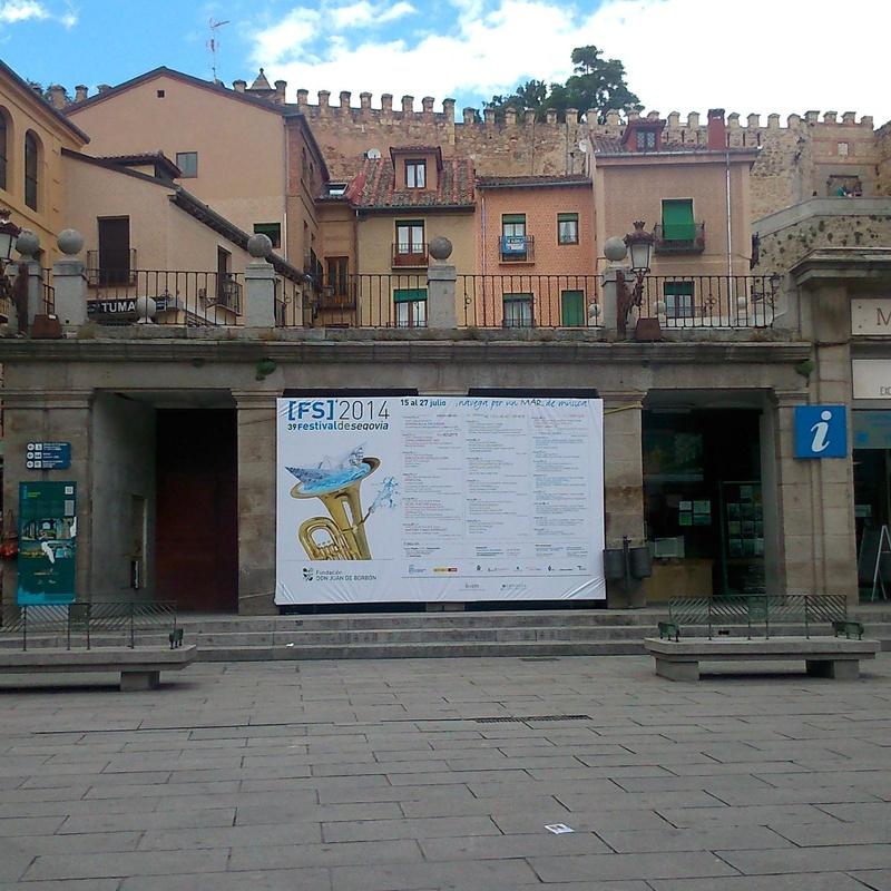 COLOCACIÓN SOPORTES PUBLICITARIOS: CATÁLOGO DE PRODUCTOS Y SERVIC de Dos Eventos