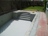 Impermeabilización de vaso de piscina con mortero impermeable.