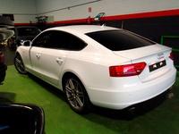 Tonalidad negro intermedio. Audi A5