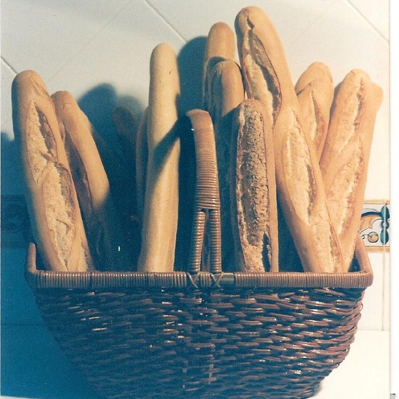 Barra de pan rustico  comidas para llevar Murcia  La Olla de Murcia