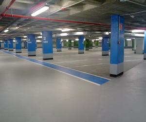 Autonivelante epoxi al agua. Parking Santa Bárbara (Cádiz)