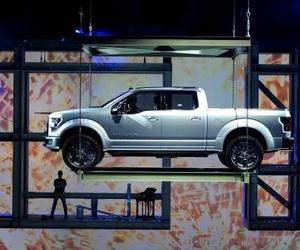 EE UU renueva su pasión por los coches grandes