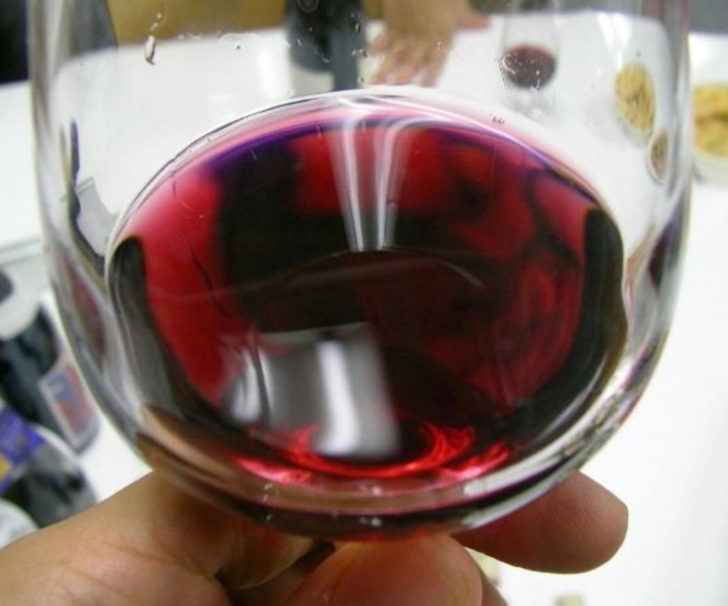 ¿A qué temperatura debe servirse el vino?