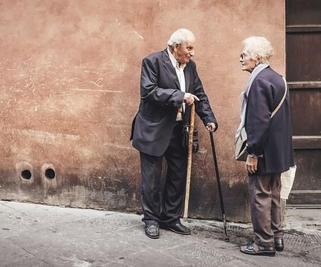Autonomía y autoestima en mayores: el papel de la asertividad