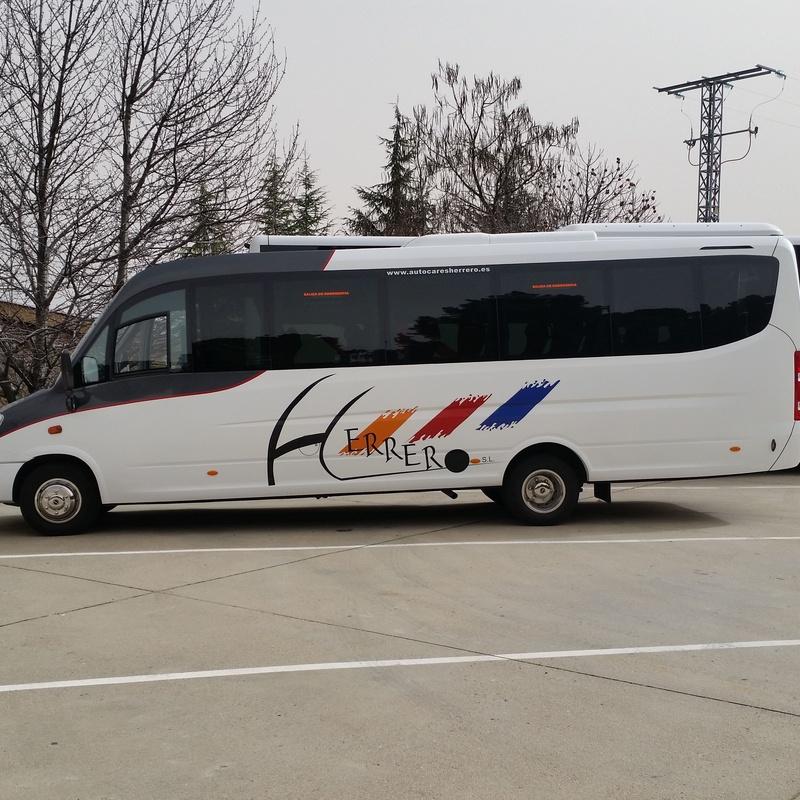 Autocares de 26 plaazas: Servicios de Autocares Herrero