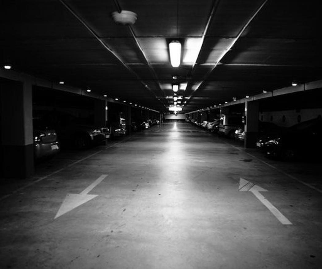 ¿Puedo aparcar en mi plaza de garaje un coche y una moto?