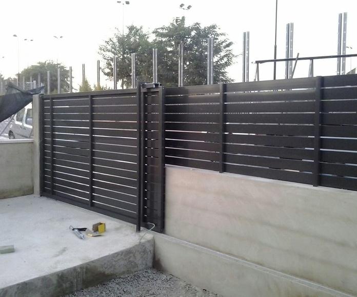 Puerta entrada peatonal y vehiculos mas vallado unifamiliar, de aluminio lacado.