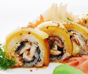 Sushi Rolls tempurizados por dentro