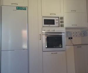 Muebles de cocina respetando el espacio del electrodoméstico