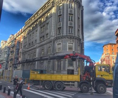 Camiones con Grúa en Bilbao