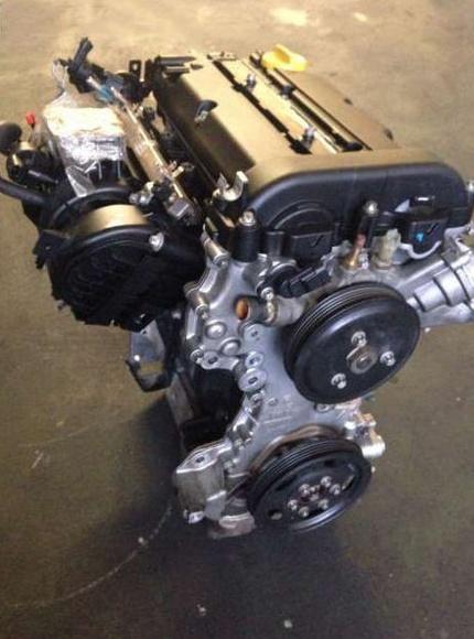 Motor de un Opel Corsa/ Autodespiece Rus