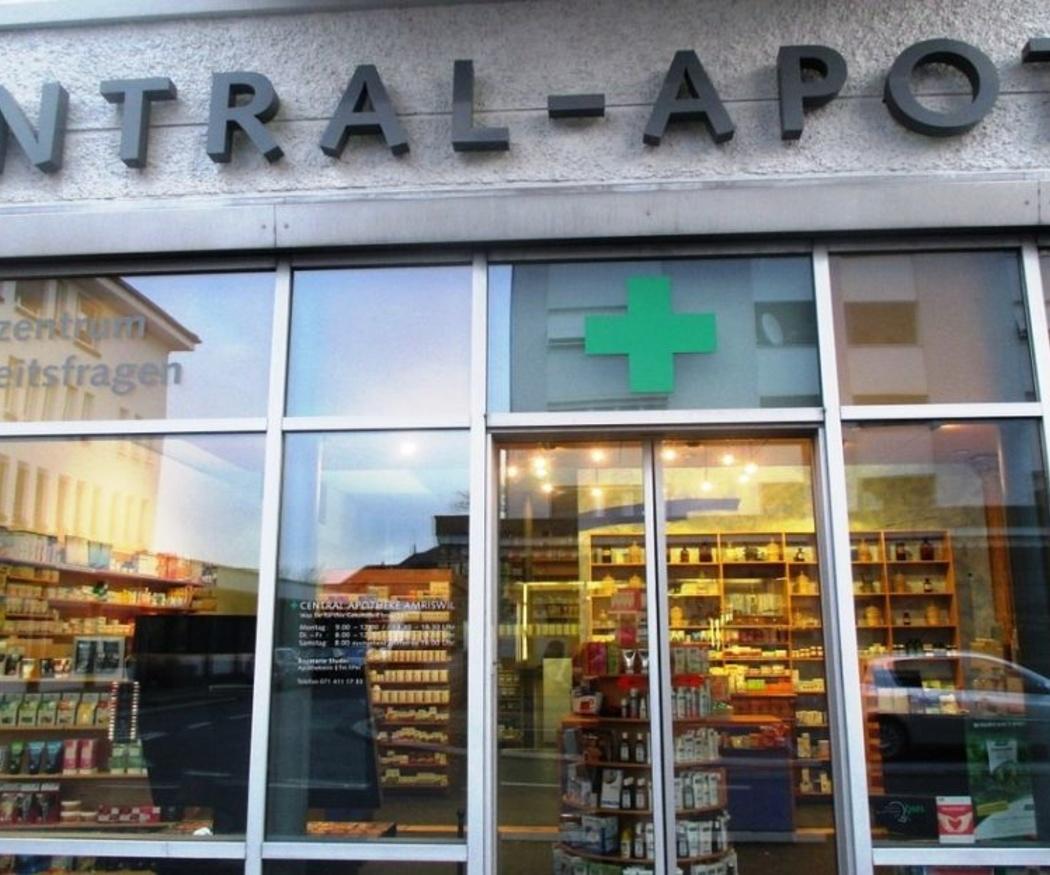 El farmacéutico y la ayuda al cuidador