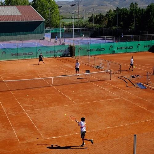 Entrenador de tenis profesional en Villena