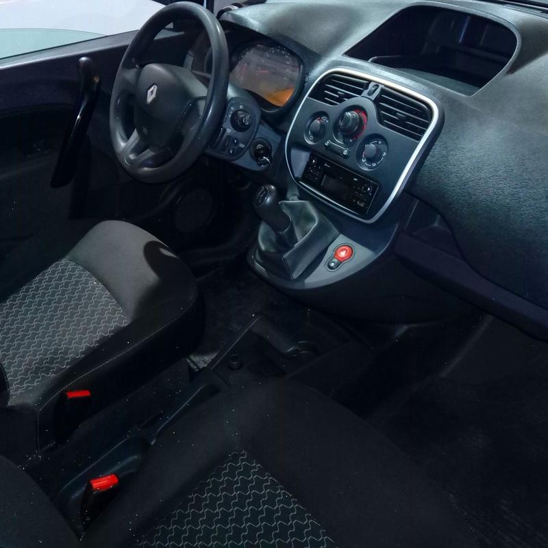 VENDIDA  KANGOO MIXTA: servicios y vehiculos de AUTORRESCATE VIROLLA S.L.