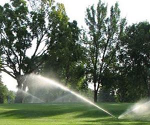 Agua tratada beneficiosa para los campos de golf en Murcia