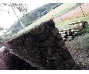 Construcción de muros de piedra