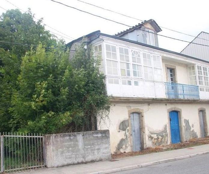 Sustitución de cubierta en vivienda unifamiliar en Parga. Lugo