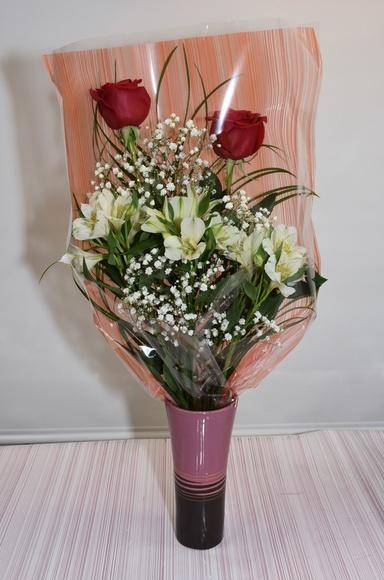 Ramo de 2 rosas con astromelia: PRODUCTOS Y SERVICIOS  de Floristería Contreras - BARTOLOMÉ CONTRERAS